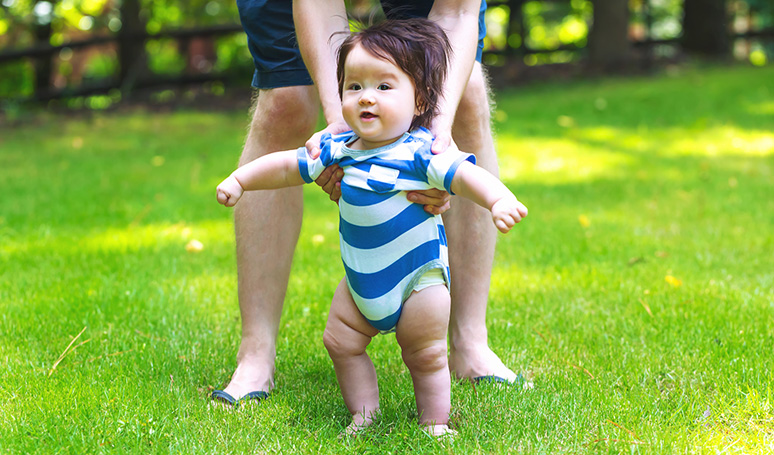 When to Expect Your Baby to Learn to Walk?