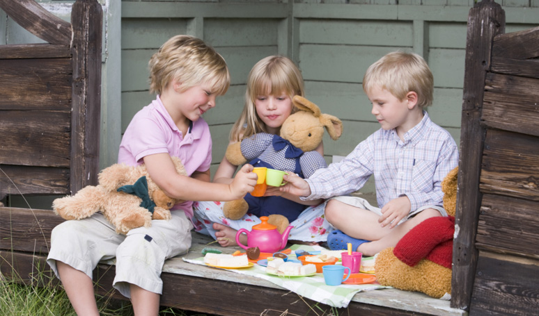 Should Children be Playing Outside in All Weathers